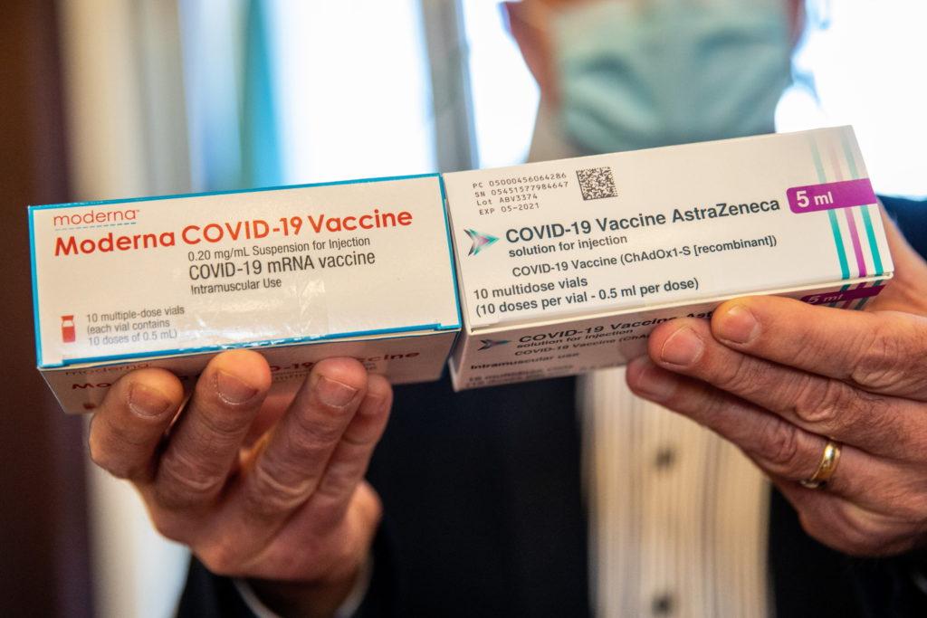 Nincs elég vakcina, mégis hegyekben áll a raktárakban Európában