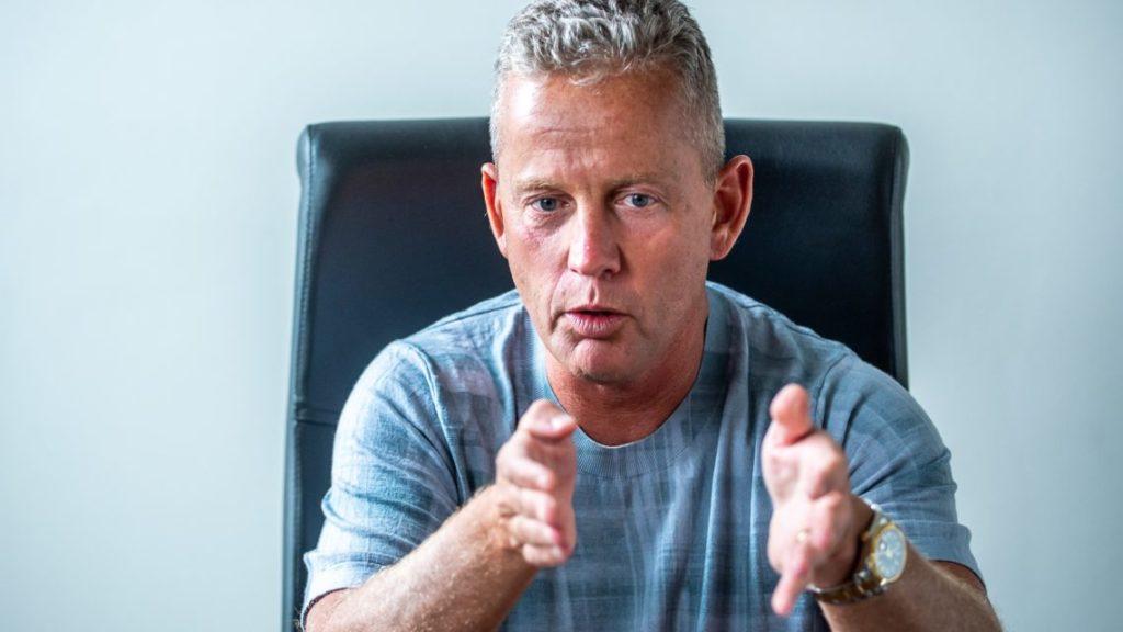 A túlsúly bírálatának van, a Fidesznek nincs köze Schobert Norbert üzletéhez