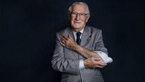 101 évesen meghalt Eddie Jaku holokauszttúlélő, aki a haláltáborok után is minden nap mosolygott