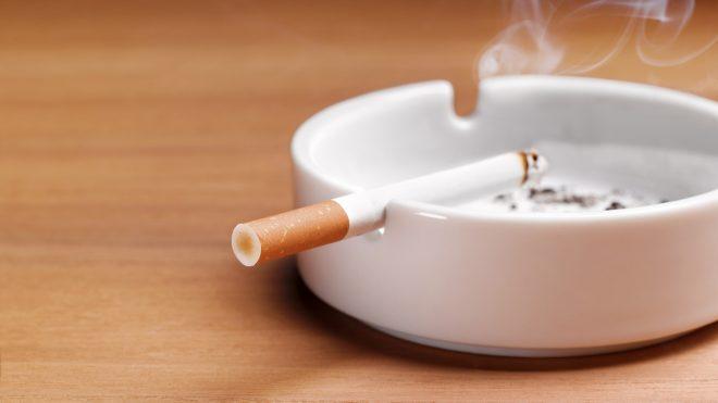 csak 2021-ban hagyta abba a dohányzást