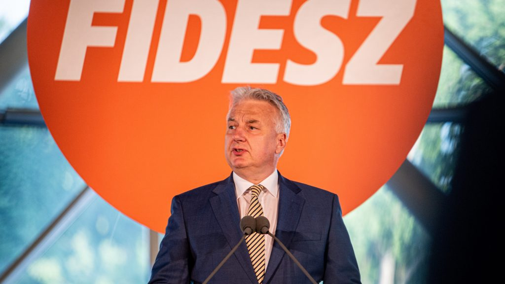 Nem töltötte ki idejét, Semjén Zsolt leváltott egy miniszteri biztost