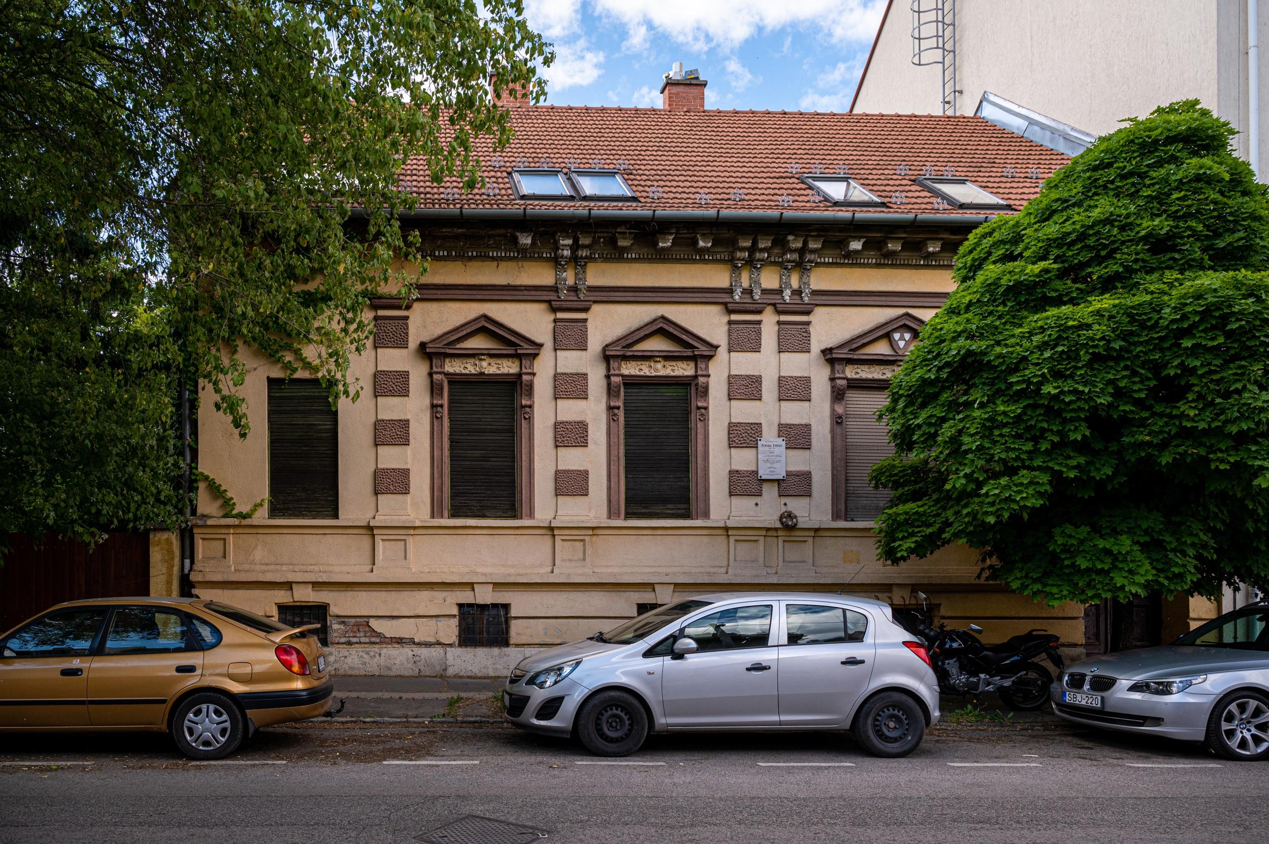 Csendes óbudai utcában rejtőzik egy híres magyar építész otthona