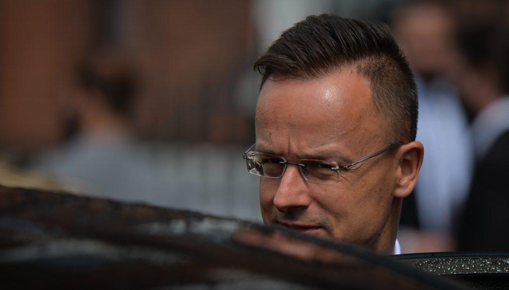 Szijjártó: Magyarországon senkit nem figyeltek meg a munkája miatt