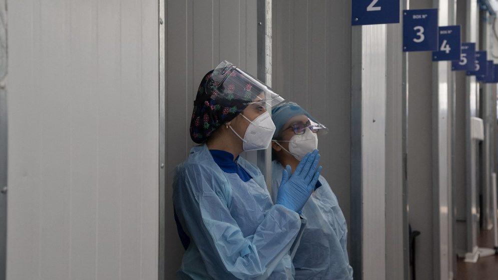 Otthon kapják el a koronavírust az egészségügyi dolgozók, nem a munkahelyen