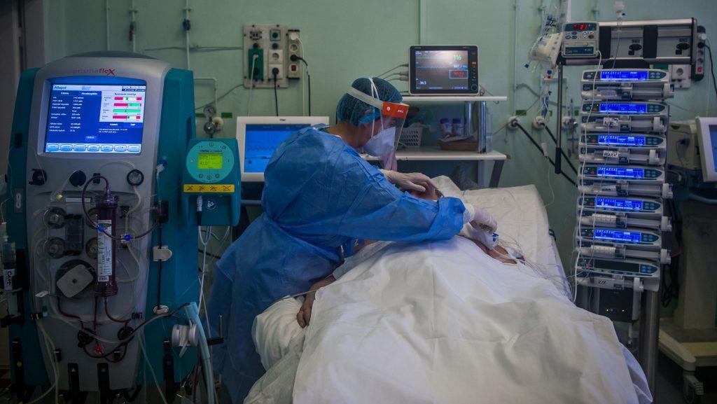 Vattay Gábor: Novemberre robbanhat be a delta variáns a magyar kórházakba