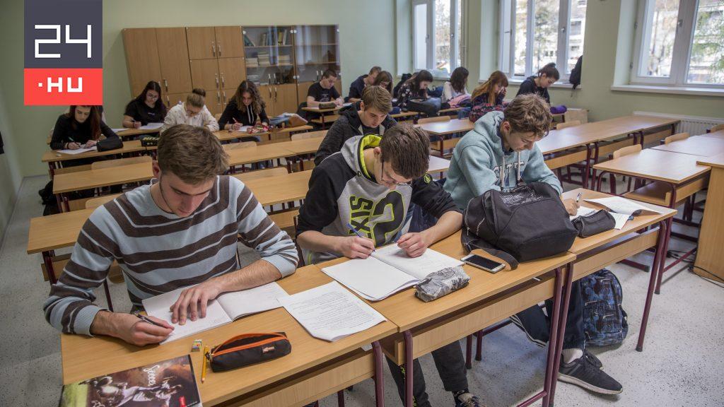 Nem térhetnek át digitális oktatásra azokban az osztályokban, ahol a diákok már kaphatnak oltást