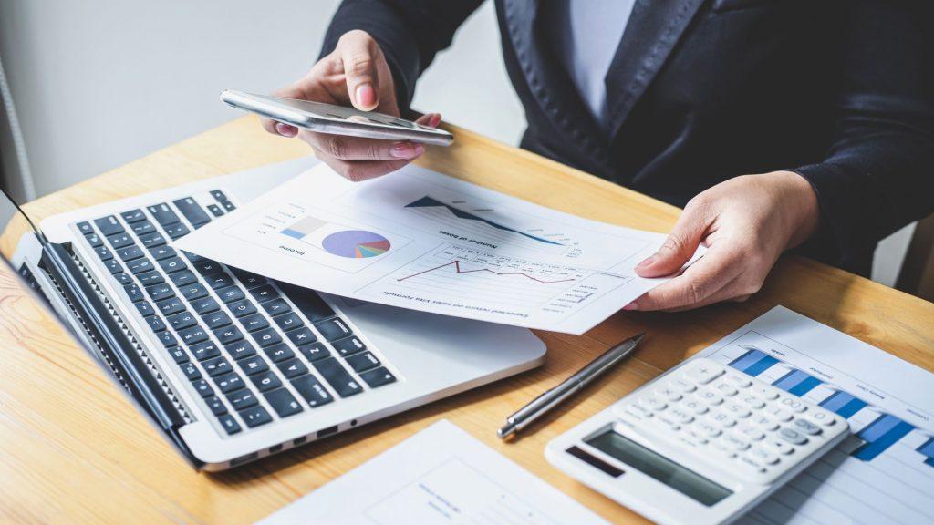 Vállalati csalások: így védenék a megtorlástól a bejelentőket