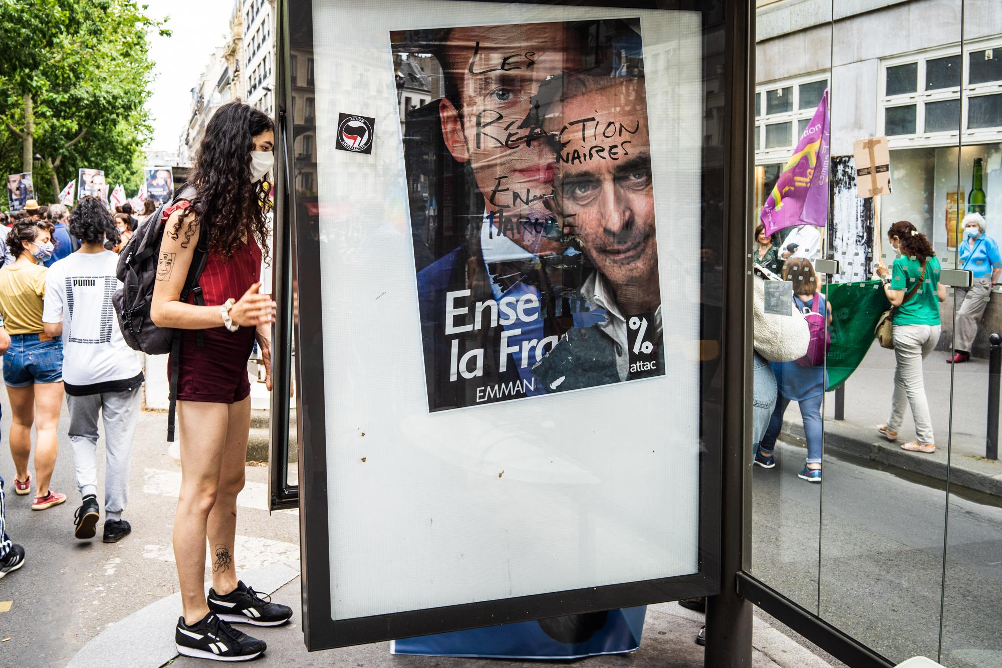 Hirtelen egy iszlámellenes médiasztár lett a favorit Macron leváltására