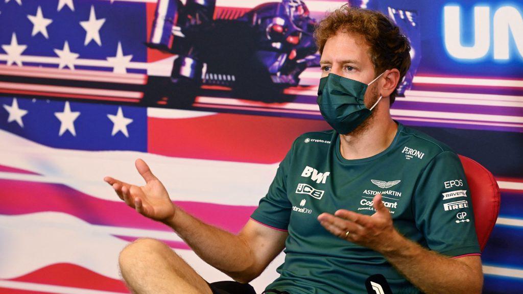 Vettel maga közölte a rossz hírt: rajtbüntetés kap