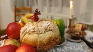 Pomáz, 2008. január 6. Hagyományos szerb ortodox karácsonyi böjtös ételek, amelyeket karácsony elõestéjén fogyasztanak.  MTI Fotó: Kovács Attila