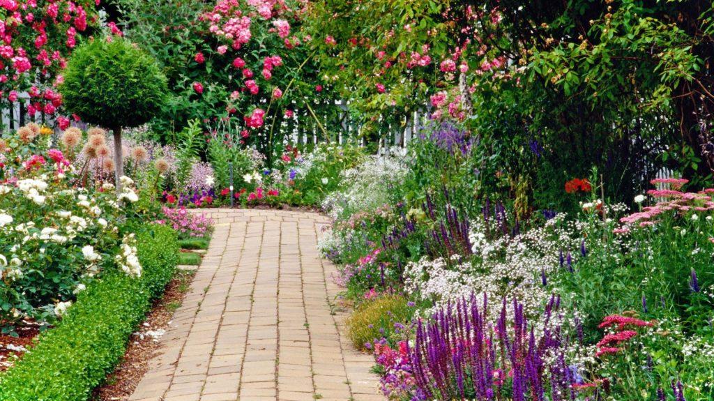 Fontos szempontok a vir goskert tervez s hez soksz n vid k for The garden design sk