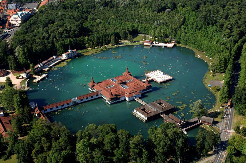 Hévíz, 2008. július 11. A Hévízi-tó. MTI Fotó: H. Szabó Sándor
