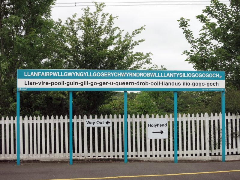 The railway station in the town with the longest name, namely Llanfairpwllgwyngyllgogerychwyrndrobwllllantysiliogogogoch, Wales, Britain,29 May 2014. Llanfairpwllgwyngyllgogerychwyrndrobwllllantysiliogogogoch means 'Parish church of St. Mary in Hollow of the White Haze near the rapid whirlpool and the parish church of St. Tysilio with a red cave' in Welsh. Photo:Franz-Peter Tschauner/dpa - NO WIRE SERVICE -