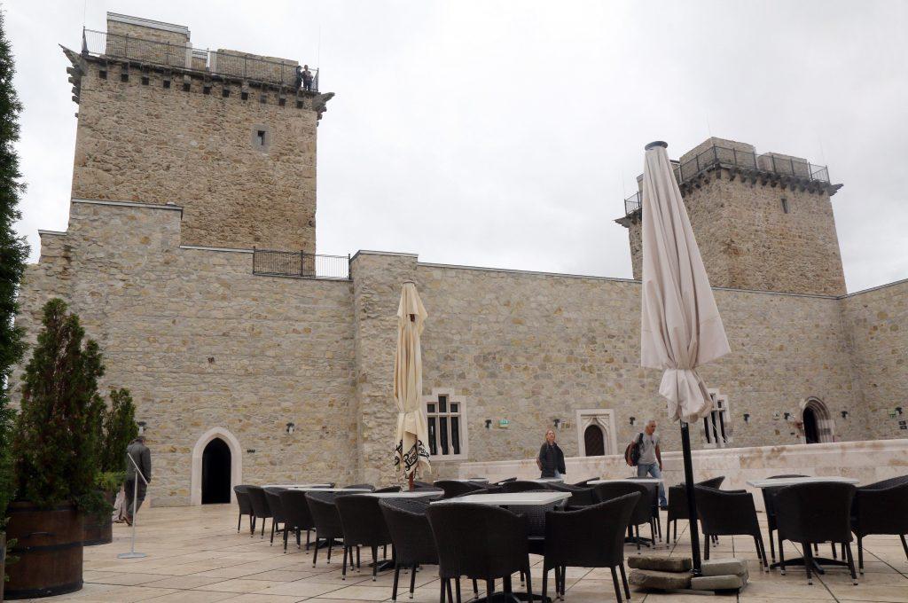 Miskolc, 2017. szeptember 3. A diósgyõri vár Miskolcon 2017. szeptember 3-án. Hamarosan megkezdõdik a vár rekonstrukciójának második és harmadik üteme. MTI Fotó: Vajda János