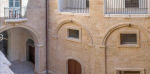 Ilyen volt, ilyen lett – Bárki megszállhat a felújított 900 éves kastélyban 2