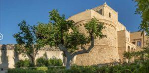Ilyen volt, ilyen lett – Bárki megszállhat a felújított 900 éves kastélyban 8