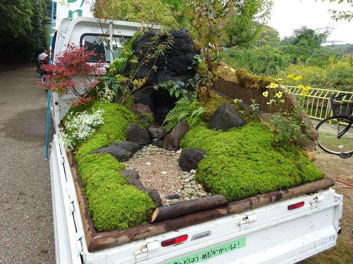 truck-garden-contest-landscape-kei-tora-japan-8-5b1e2fd68b857__700.jpg