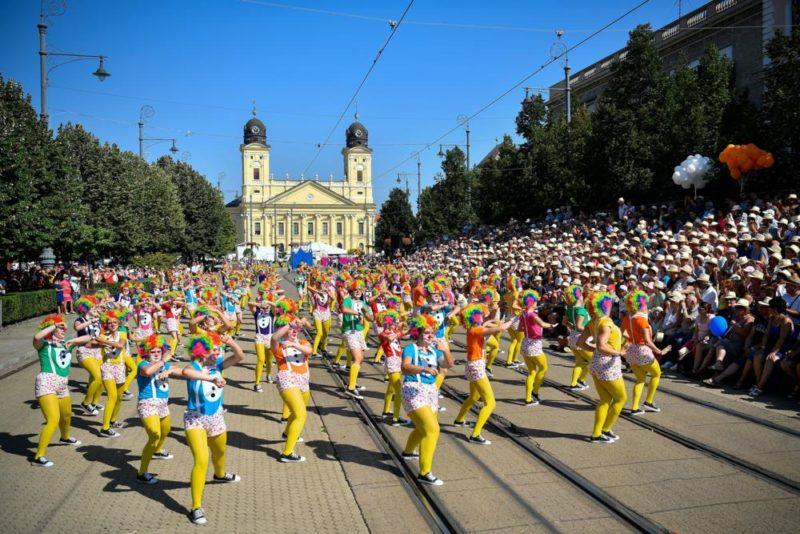 Debrecen, 2018. augusztus 20. Az RnB csoport a 49. Debreceni Virágkarneválon 2018. augusztus 20-án. MTI Fotó: Czeglédi Zsolt