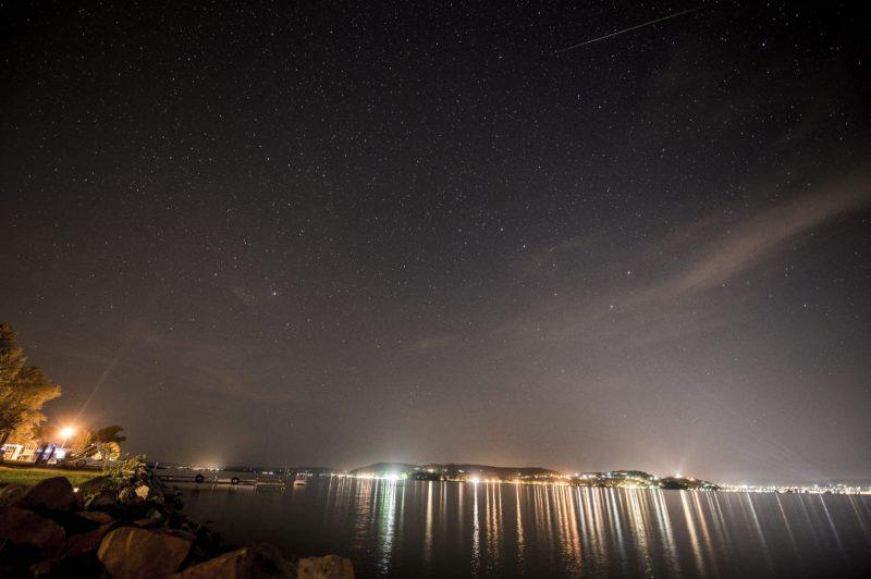 Zamárdi, 2015. augusztus 12.<br /> A Perseidák meteorraj egyik tagja Zamárdi felõl fényképezve 2015. augusztus 11-én.<br /> MTI Fotó: Sóki Tamás