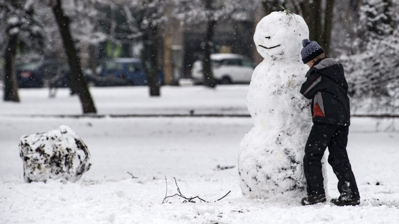 Budapest, 2018. január 21. Hóember a Vérmezõn, a fõváros I. kerületében 2018. január 21-én. MTI Fotó: Szigetváry Zsolt