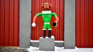 Tiszafüred, 2019. január 12. Bádoglemezekbõl készült bádogembert formázó postaláda egy családi ház elõtt Tiszafüreden 2019. január 12-én. MTI/Czeglédi Zsolt