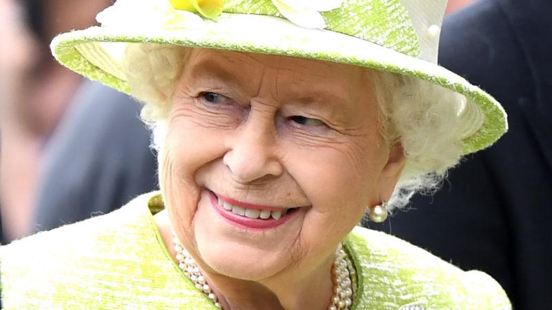 Ascot, 2019. június 22. II. Erzsébet brit királynõ az ascoti derbi ötödik, befejezõ napján 2019. június 22-én. Az ötnapos lóverseny a brit társasági élet egyik legfontosabb eseménye. MTI/EPA/Facundo Arrizabalaga