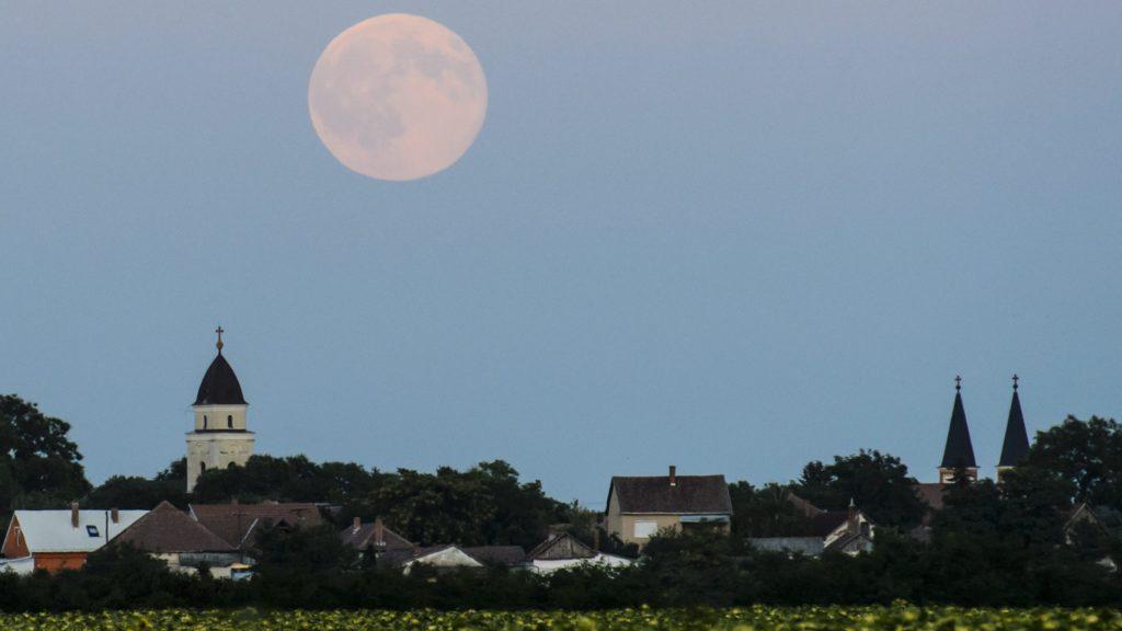 Ma érkezik a Kék Hold, ami nem is kék | Sokszínű vidék