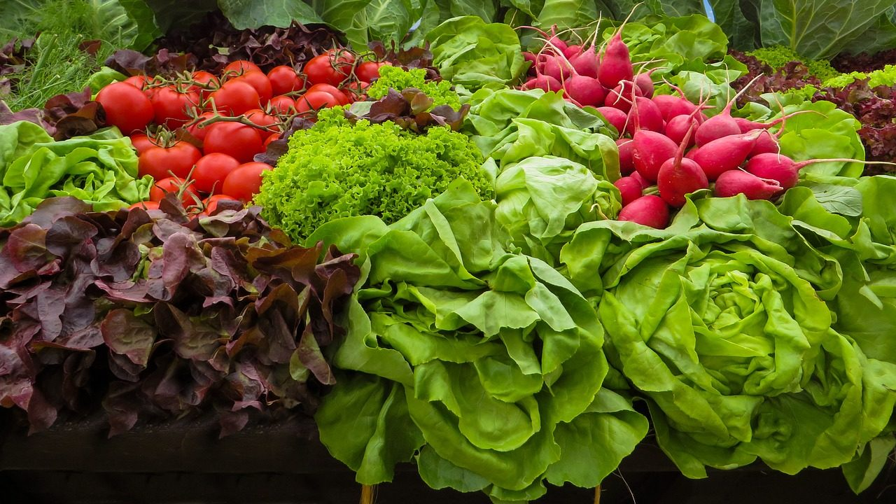 Megérkeztek a piacokra a magyar primőr zöldségek | Sokszínű vidék