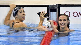 Rio de Janeiro, 2016. augusztus 13. A gyõztes amerikai Maya Dirado (b) és a második helyezett Hosszú Katinka a célban a nõi 200 méteres hátúszás döntõjében a riói nyári olimpián a Rio de Janeiró-i Olimpiai Uszodában 2016. augusztus 12-én. MTI Fotó: Illyés Tibor