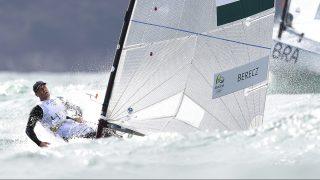 Rio de Janeiro, 2016. augusztus 11. Berecz Zsombor a riói nyári olimpia férfi vitorlásversenyén, a Finndingi hajóosztály ötödik futamában a Rio de Janeiró-i Dicsõség Jachtkikötõben 2016. augusztus 11-én. Berecz Zsombor megnyerte az ötödik futamot, és összetettben feljött a harmadik helyre. MTI Fotó: Kovács Tamás