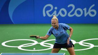 Rio de Janeiro, 2016. augusztus 7.   Póta Georgina visszaüti a labdát a kanadai Mo Zhang elleni mérkõzésen a 2016-os riói nyári olimpia egyéni asztalitenisz-tornájának második fordulójában a Rio de Janeiró-i Riocentro központban, a 3-as pavilonban 2016. augusztus 6-án. Póta Georgina 4-1-re gyõzött és bejutott a legjobb 32 közé. MTI Fotó: Illyés Tibor