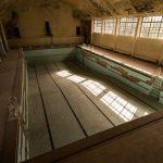 schwimmbad-b03f8d49-c592-47cc-8fb7-643d942edbc2.jpg