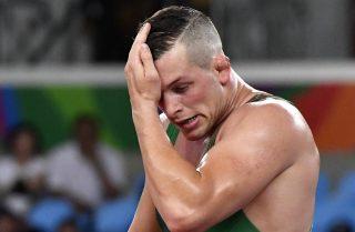 Rio de Janeiro, 2016. augusztus 20. Veréb István az orosz Abdulrasid Szadulajev elleni küzdelemben a férfi kötöttfogású birkózók 86 kilogrammos súlycsoportjának nyolcaddöntõjében a Rio de Janeiró-i nyári olimpián a 2-es Karióka Arénában 2016. augusztus 20-án. Veréb kikapott, így már csak a vigaszági folytatásban bízhat. MTI Fotó: Illyés Tibor