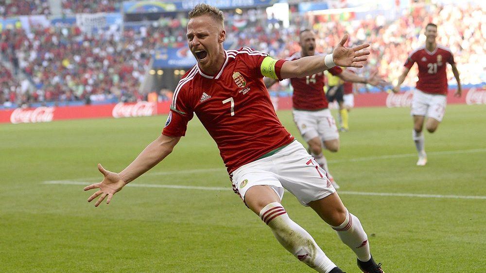Lyon, 2016. június 22. Dzsudzsák Balázs ünnepel, miután gólt rúgott a franciaországi labdarúgó Európa-bajnokság F csoportja harmadik fordulójának Magyarország – Portugália mérkõzésén a lyoni stadionban 2016. június 22-én. (MTI/EPA/C. J. Gunther)