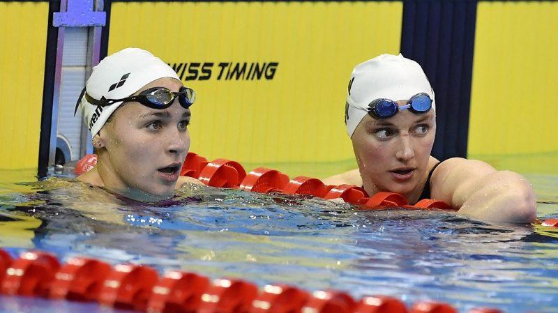 Debrecen, 2017. április 20. A gyõztes Késely Ajna (b) és a második helyezett Hosszú Katinka a 400 méteres gyorsúszás döntõje után az úszók országos bajnokságán a Debreceni Sportuszodában 2017. április 20-án. MTI Fotó: Czeglédi Zsolt