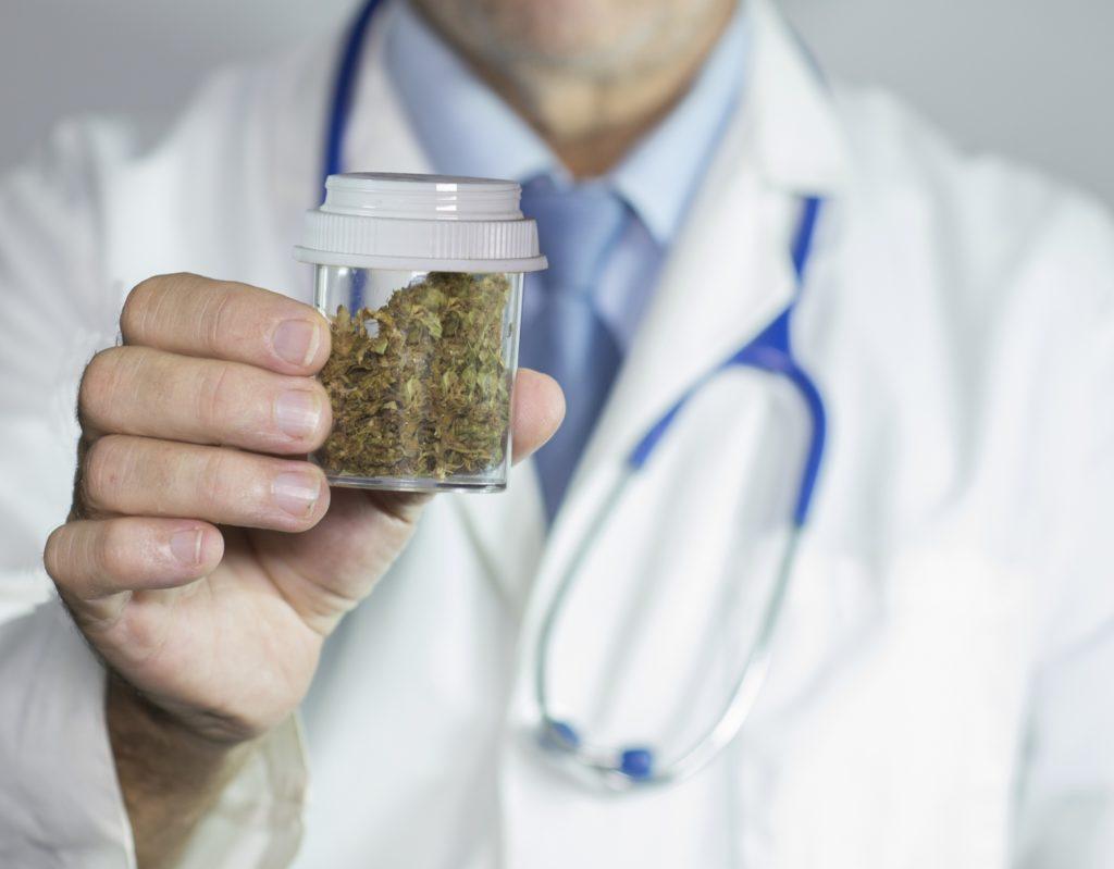 segíti a marihuána a zsírvesztést)