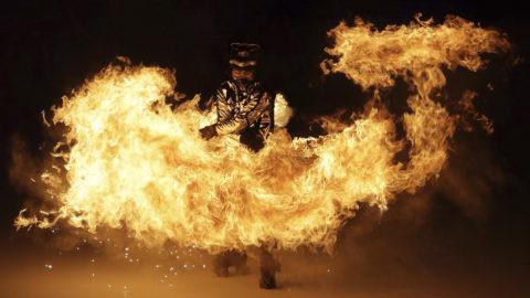 Phjongcshang, 2018. február 9.Táncos a phjongcshangi téli olimpia megnyitóján az olimpiai stadionban 2018. február 9-én. (MTI/AP/Michael Sohn)
