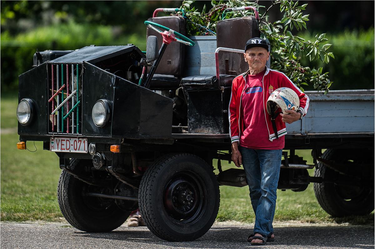 Földes István és Trabant motorral szerelt csettegője. - Kecel. 2016. jún. 11., szombat / MTI fotó: Ujvári Sándor
