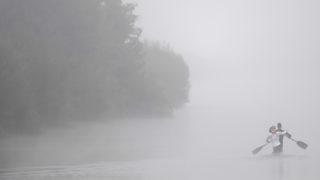 Montemor-o-Velho, 2018. augusztus 24.Kenusok edzenek a reggeli ködben a portugáliai Montemor-o-Velhóban zajló kajak-kenu világbajnokságon 2018. augusztus 24-én.MTI Fotó: Kovács Tamás