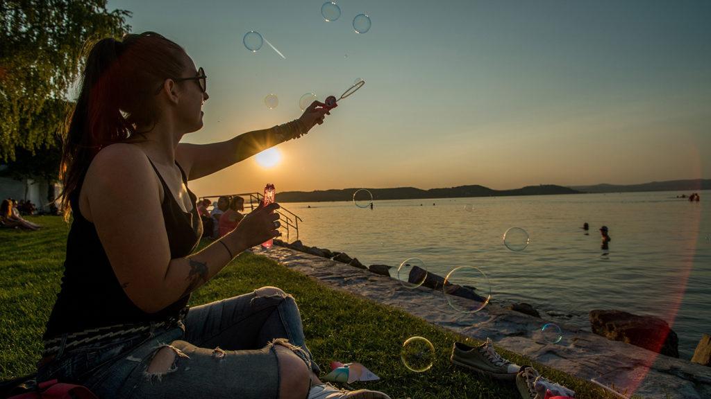 Zamárdi, 2018. augusztus 21.Fiatalok a zamárdi Strand Fesztiválon 2018. augusztus 21-én.MTI Fotó: Balogh Zoltán