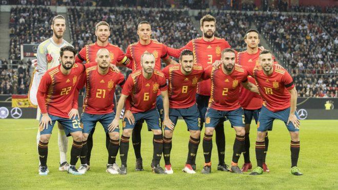 Team ESP, hinten left to right goalwart DE GEA (ESP), Sergio RAMOS (ESP), Rodrigo MORENO (ESP), Gerard PIQUE (ESP), THIAGO (ESP), vorne v.l ISCO (ESP), David SILVA (ESP), Andres INIESTA (ESP), KOKE (ESP), Dani CARVAJAL (ESP), Jordi ALBA (ESP),  Fussball Laenderspiel, Freundschaftsspiel, Germany (GER) - Spanien (ESP) 1:1, am 23.03.2018 in Duesseldorf/ Germany.  usage worldwide