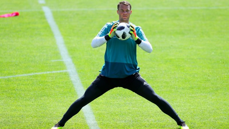 28 May 2018, Italy, Eppan: Germany's goalkeeper Manuel Neuer during training session at the sport centre Rungg. The Germany soccer team is preparing for the 2018 World Cup at their training camp in Eppan near Bolzano. Photo: Christian Charisius/dpa