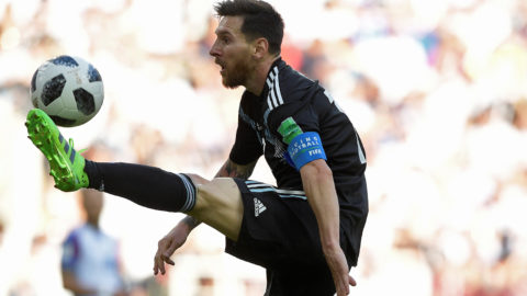 Argentina's forward Lionel Messi (L) controls the ball during the Russia 2018 World Cup Group D football match between Argentina and Iceland at the Spartak Stadium in Moscow on June 16, 2018. / AFP PHOTO / Juan Mabromata / RESTRICTED TO EDITORIAL USE - NO MOBILE PUSH ALERTS/DOWNLOADS