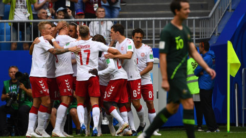Denmark players celebrate the opening goal scored by Denmark's midfielder Christian Eriksen (2L) during the Russia 2018 World Cup Group C football match between Denmark and Australia at the Samara Arena in Samara on June 21, 2018. / AFP PHOTO / MANAN VATSYAYANA / RESTRICTED TO EDITORIAL USE - NO MOBILE PUSH ALERTS/DOWNLOADS
