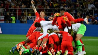 England's players celebrate winning the penalty shootout at the end of the Russia 2018 World Cup round of 16 football match between Colombia and England at the Spartak Stadium in Moscow on July 3, 2018. / AFP PHOTO / Alexander NEMENOV / RESTRICTED TO EDITORIAL USE - NO MOBILE PUSH ALERTS/DOWNLOADS