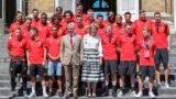 Brüsszel, 2018. július 16. Fülöp belga király (k, balról ) és a felesége, Matild királyné fogadja az oroszországi labdarúgó-világbajnokságon harmadik helyezett belga válogatott tagjait a laekeni kastélyban 2018. július 15-én (MTI/EPA/Stephanie Lecocq)