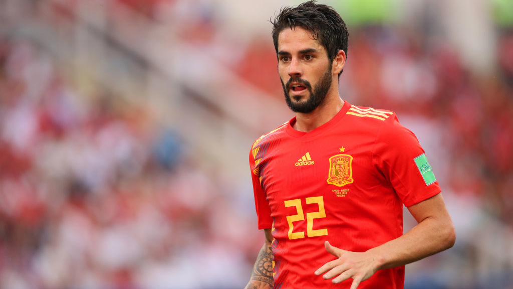 MOSCOW, RUSSIA - JULY 01:   Isco of Spain in action during the 2018 FIFA World Cup Russia Round of 16 match between Spain and Russia at Luzhniki Stadium on July 1, 2018 in Moscow, Russia. (Photo by Matthew Ashton - AMA/Getty Images)
