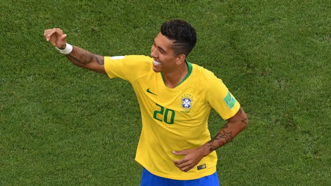 Brazil's forward Roberto Firmino celebrates after scoring a goal during the Russia 2018 World Cup round of 16 football match between Brazil and Mexico at the Samara Arena in Samara on July 2, 2018. / AFP PHOTO / Kirill KUDRYAVTSEV / RESTRICTED TO EDITORIAL USE - NO MOBILE PUSH ALERTS/DOWNLOADS