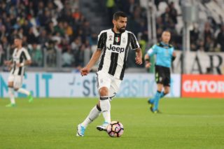 Tomas Rincon (Juventus FC) in action during the Serie A football match between Juventus FC and Torino FC  at Juventus Stadium on may 06, 2017 in Turin, Italy. (Photo by Massimiliano Ferraro/NurPhoto)