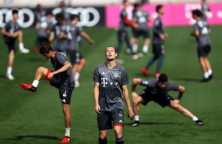 DOHA, QATAR - JANUARY 10:  Holger Badstuber warms up during a training session at day 8 of the Bayern Muenchen training camp at Aspire Academy on January 10, 2017 in Doha, Qatar.  (Photo by Lars Baron/Bongarts/Getty Images)